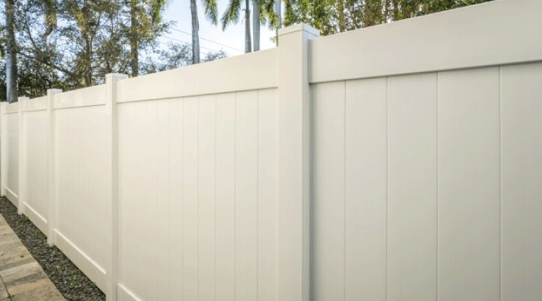Vinyl fences look great and add lots of value to any property. They are strong and durable, which allows the fence to handle all types of weather changes with almost no maintenance required.